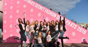 Aniołki Victoria`s Secret w podróży