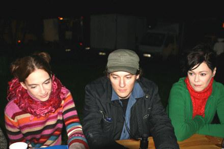 """Anna Cieślak i Szymon Jakubowski na planie """"Jak żyć?""""/fot. Hanna Krzyżanowska /INTERIA.PL"""