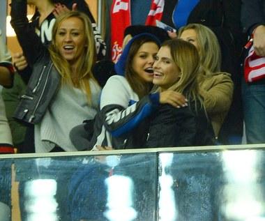 Anna Lewandowska gratuluje żonie Kamila Grosickiego... okładki