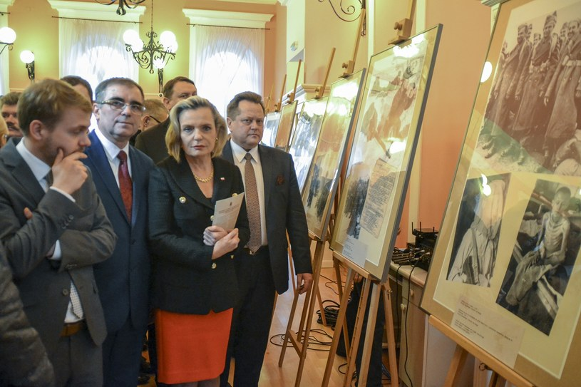 Anna Maria Anders na wystawie, podczas której doszło do zdarzenia /Marcin Kapuscinski /Reporter