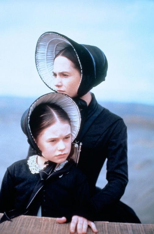 "Anna Paquin i Holly Hunter w filmie Jane Campion ""Fortepian"" (1993) /materiały prasowe"