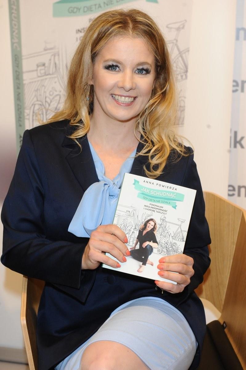 Anna Powierza promuje książkę /Piotr Andrzejczak /MWMedia