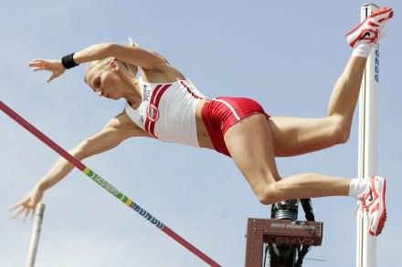 Anna Rogowska - rekordzistka Polski w skoku o tyczce /AFP