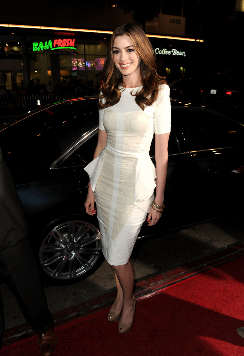 Anne Hathaway   /Getty Images/Flash Press Media