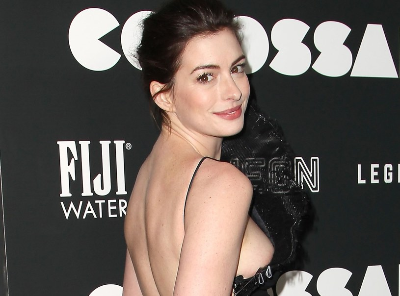 Anne Hathaway /East News