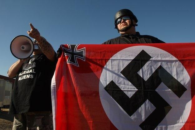 Anonimowi wypowiadają wojnę neonazistom /AFP