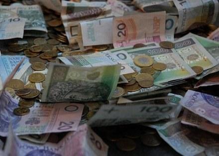 Anonimowy darczyńca spłacił dług inwalidy /RMF
