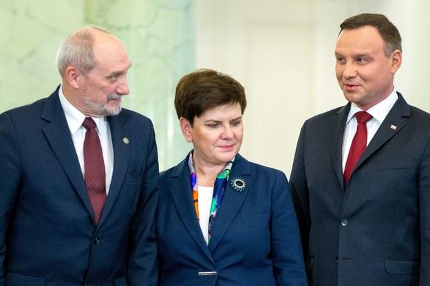 Antoni Macierewicz, Beata Szydło, Andrzej Duda /Andrzej Iwańczuk /Reporter