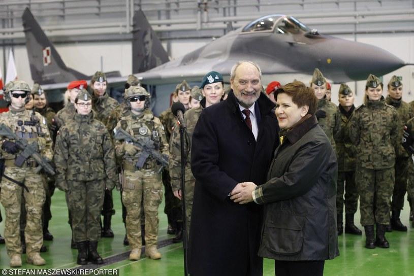 Antoni Macierewicz i Beata Szydło w Mińsku Mazowieckim /Stefan Maszewski /Reporter