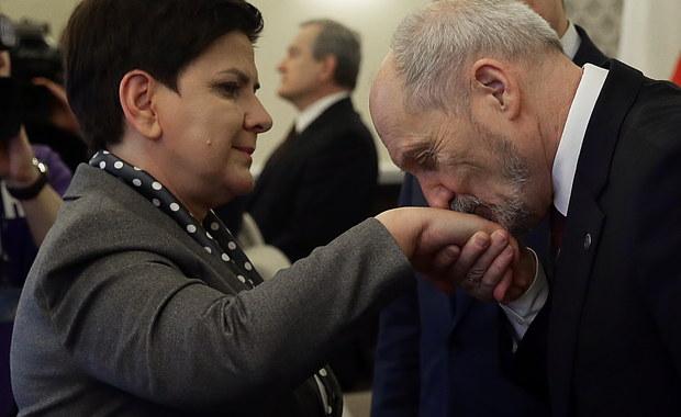 """Antoni Macierewicz nie wyklucza zakupu kolejnych F-16. """"Sprawa jest w trakcie analiz"""""""