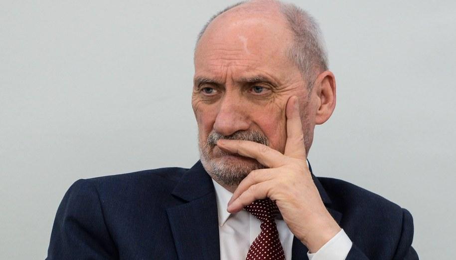 Antoni Macierewicz / Jakub Kamiński    /PAP