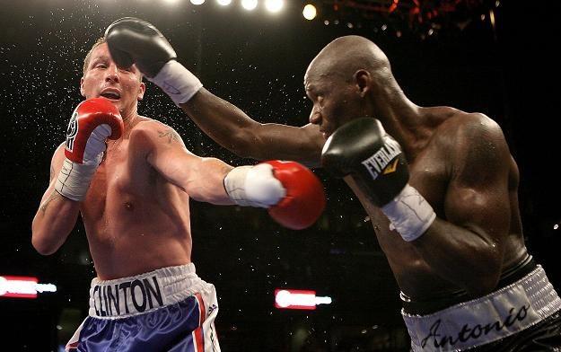 Antonio Tarver (z prawej) w walce z Clintonem Woodsem z 2008 roku/fot. John Gichigi /Getty Images/Flash Press Media