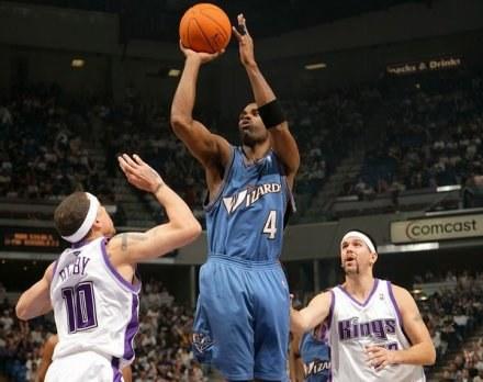 Antwan Jamison poprowadził Wizards do wygranej w Sacramento /AFP