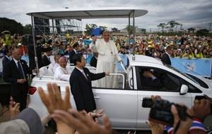 Apel papieża do młodzieży. O skromniejszy i misyjny Kościół