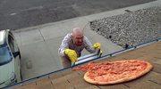 """Apel twórcy """"Breaking Bad"""": Przestańcie rzucać pizzę!"""