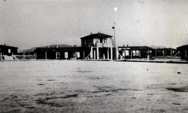 Apelplatz, na którym rozgrywano mecze od lata 1944 /Odkrywca