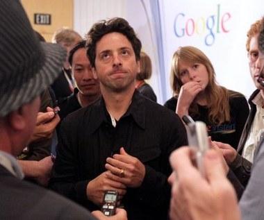Apple i Facebook zagrażają wolności w internecie?