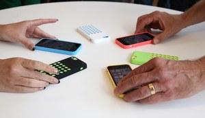 """Apple: iPhone 5c to nasz smartfon ze """"średniej półki"""" cenowej"""