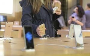 Apple negocjuje z LG i Samsungiem w sprawie OLED-ów