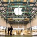 Apple notuje straty, ale sprzedało już ponad miliard iPhone'ów