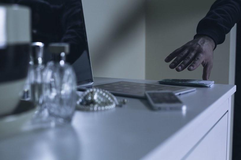 Apple odstraszy złodziei? /123RF/PICSEL