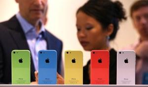 Apple wprowadza do sprzedaży 8 GB iPhone'a 5c