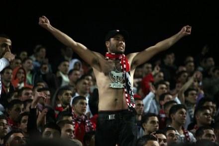 Arabscy fani Bnei szykują krwawą zemstę na swoich piłkarzach, którzy okryli ich hańbą /AFP