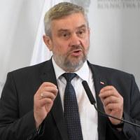 Ardanowski zapowiada ulgi i pomoc dla rolników w związku z suszą