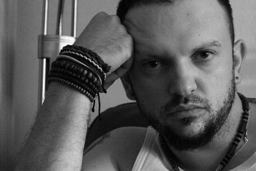 Arek Siedlecki wyemigrował do Anglii, podobnie jak dwa miliony Polaków, w poszukiwaniu lepszego jutra. /fot. Archiwum Autora /Styl.pl