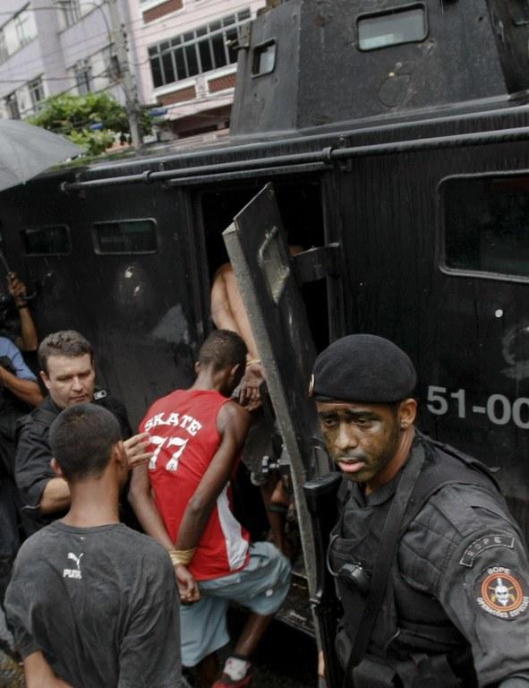 Aresztowanie członków Czerwonej Brygady /AFP