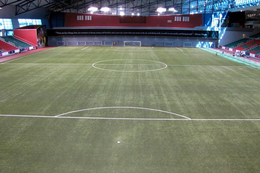 Argentyński kibic piłkarski zmarł na stadionie po upadku z dużej wysokości. /Patryk Serwanski /RMF FM