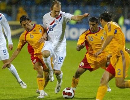 Arjen Robben w akcji /AFP