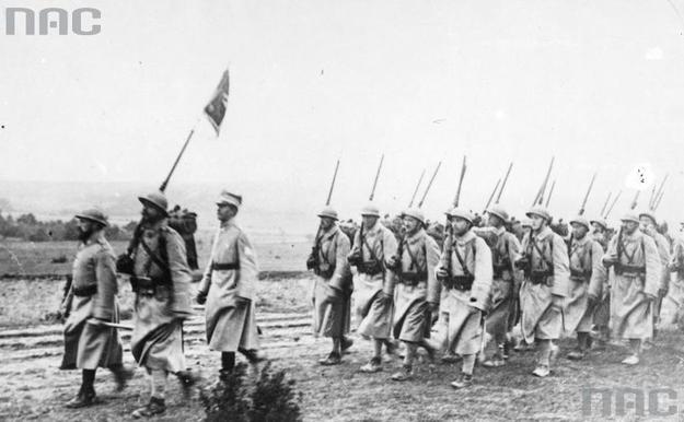 Armia Polska we Francji. Przegląd wojsk idących na front /Z archiwum Narodowego Archiwum Cyfrowego