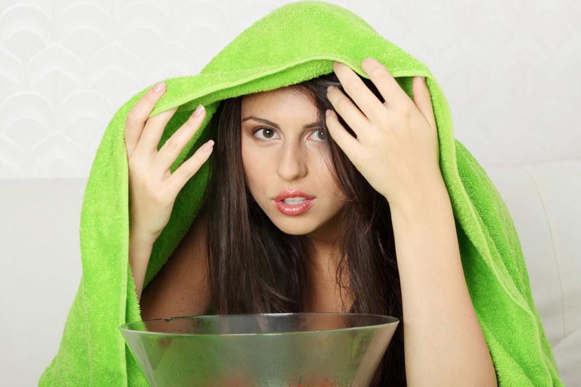 Aromatyczna para wodna nie tylko podreperuje zdrowie, ale też ukoi nerwy /123RF/PICSEL