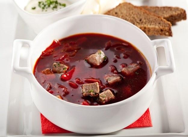 Aromatyczny barszcz czerwony z mięsem /123RF/PICSEL