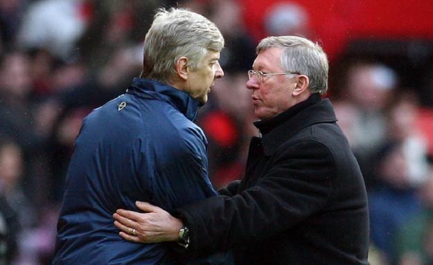 Arsene Wenger doczekał się poparcia od samego Aleksa Fergusona (z prawej) /AFP
