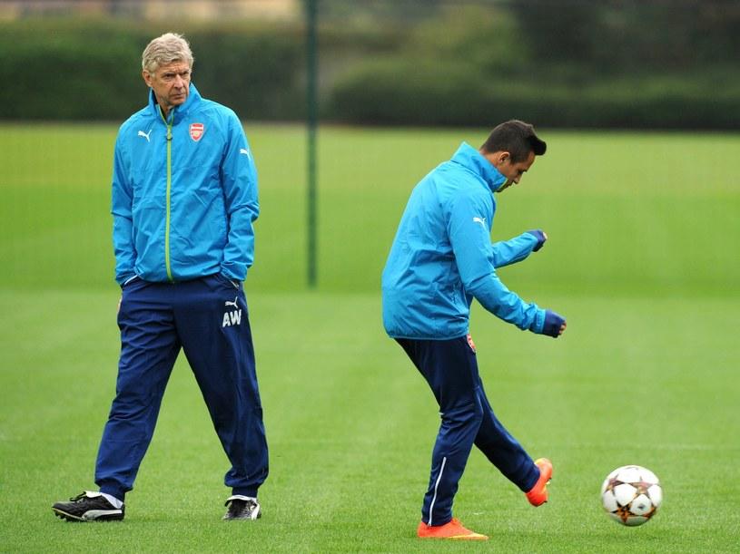Arsene Wenger i Alexis Sanchez na treningu Arsenalu /AFP