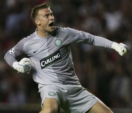 Artur Boruc powrócił do bramki Celtiku i od razu mógł wylecieć z boiska /Getty Images/Flash Press Media