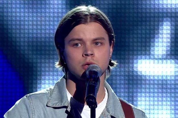 """Artur Krywych zaśpiewał w """"The Voice Of Poland"""" przebój Radiohead /TVP"""