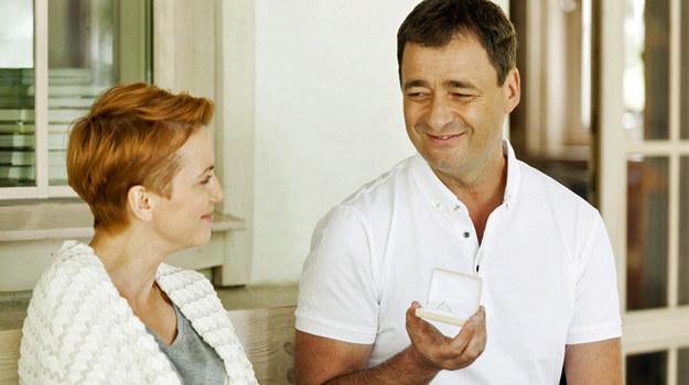 Artur nieoczekiwanie poprosi Martę o rękę! /Agencja W. Impact