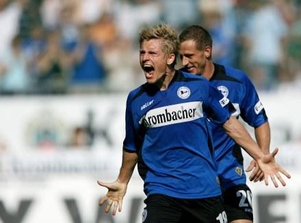 Artur Wichniarek świetnie rozpoczął nowy sezon w Bundeslidze /AFP