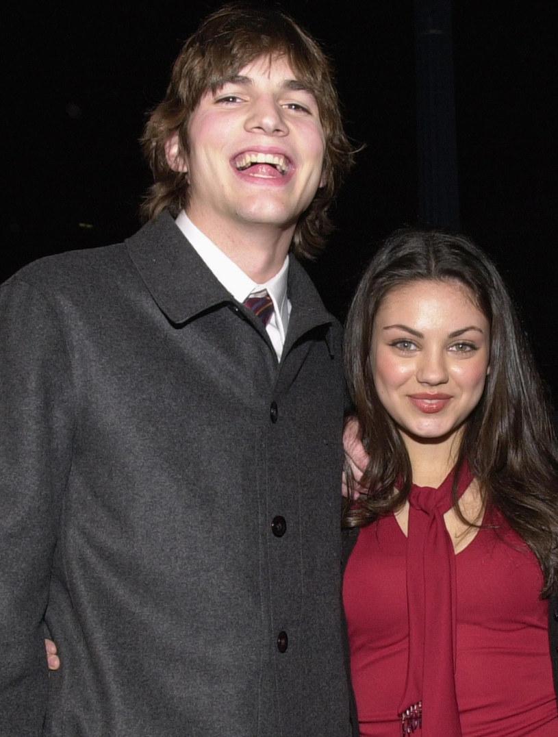 Ashton Kutcher i Mila Kunis na gali w 2000 roku /Chris Weeks /Getty Images
