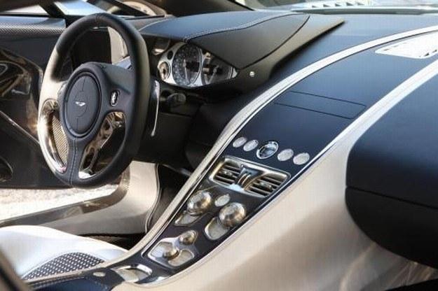 Aston martin one-77 /