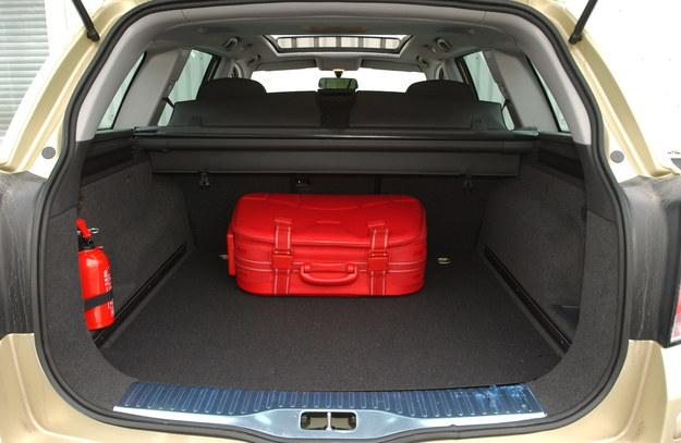 astra bagażnik /Motor