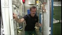 Astronauci piją wodę z moczu! Jest czystsza od tej na Ziemi!