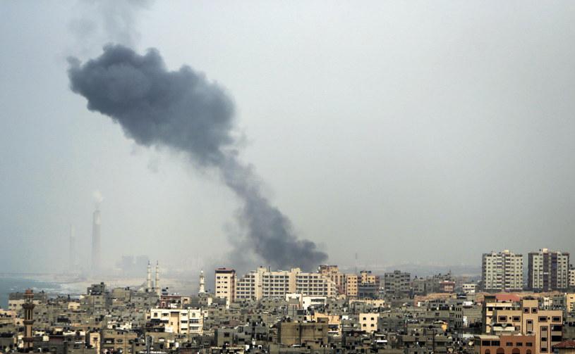 Atak izraelskiego lotnictwa na Strefę Gazy (zdjęcie ilustracyjne) /MAHMUD HAMS /AFP