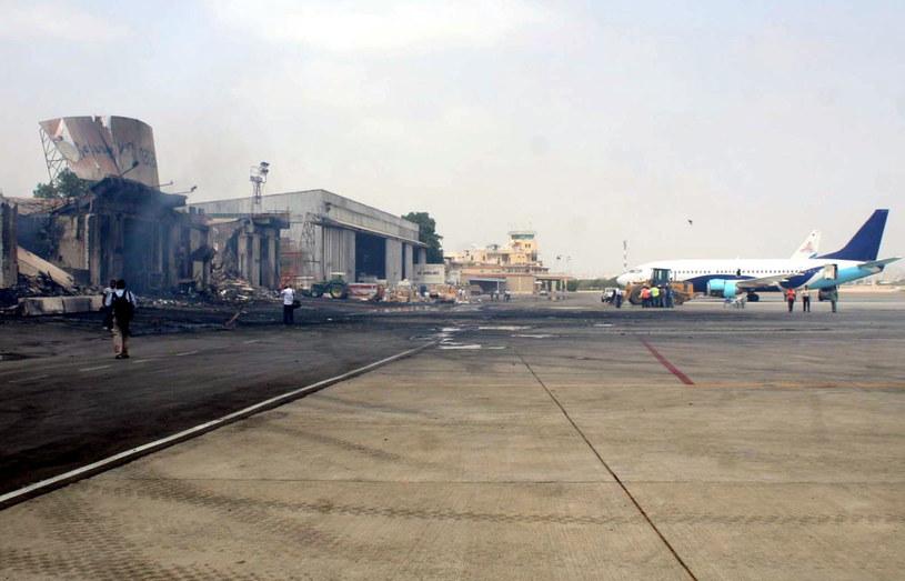 Atak jest reakcją na atak na lotnisko w Karaczi /PAP/EPA