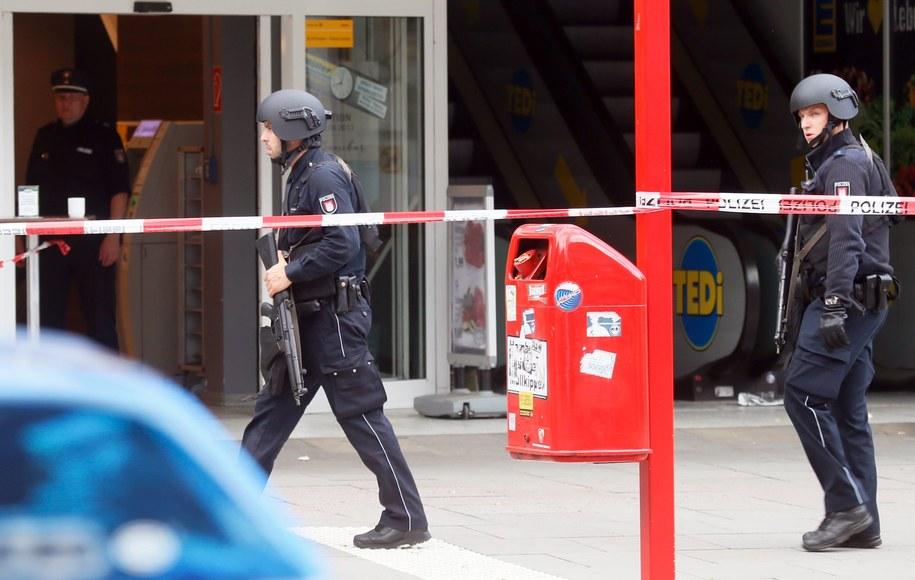 Atak nożownika w Hamburgu /MARIUS ROEER /PAP/EPA