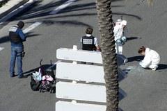 """Atak w Nicei. Media mówią o """"rzezi"""""""
