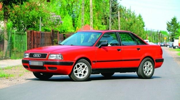 Audi 80 B4 powstało na zmodernizowanej platformie modelu 80 B3. Samochód zaprezenowano w sierpniu 1991 r. /Motor
